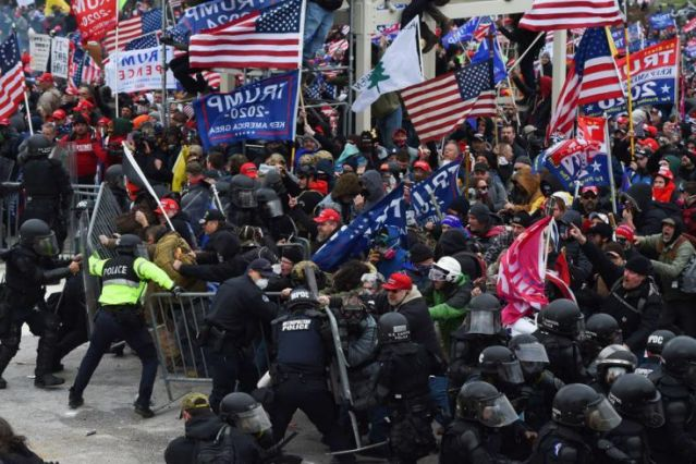 2 Capitol Police officers sue Trump for inciting Jan. 6 riot